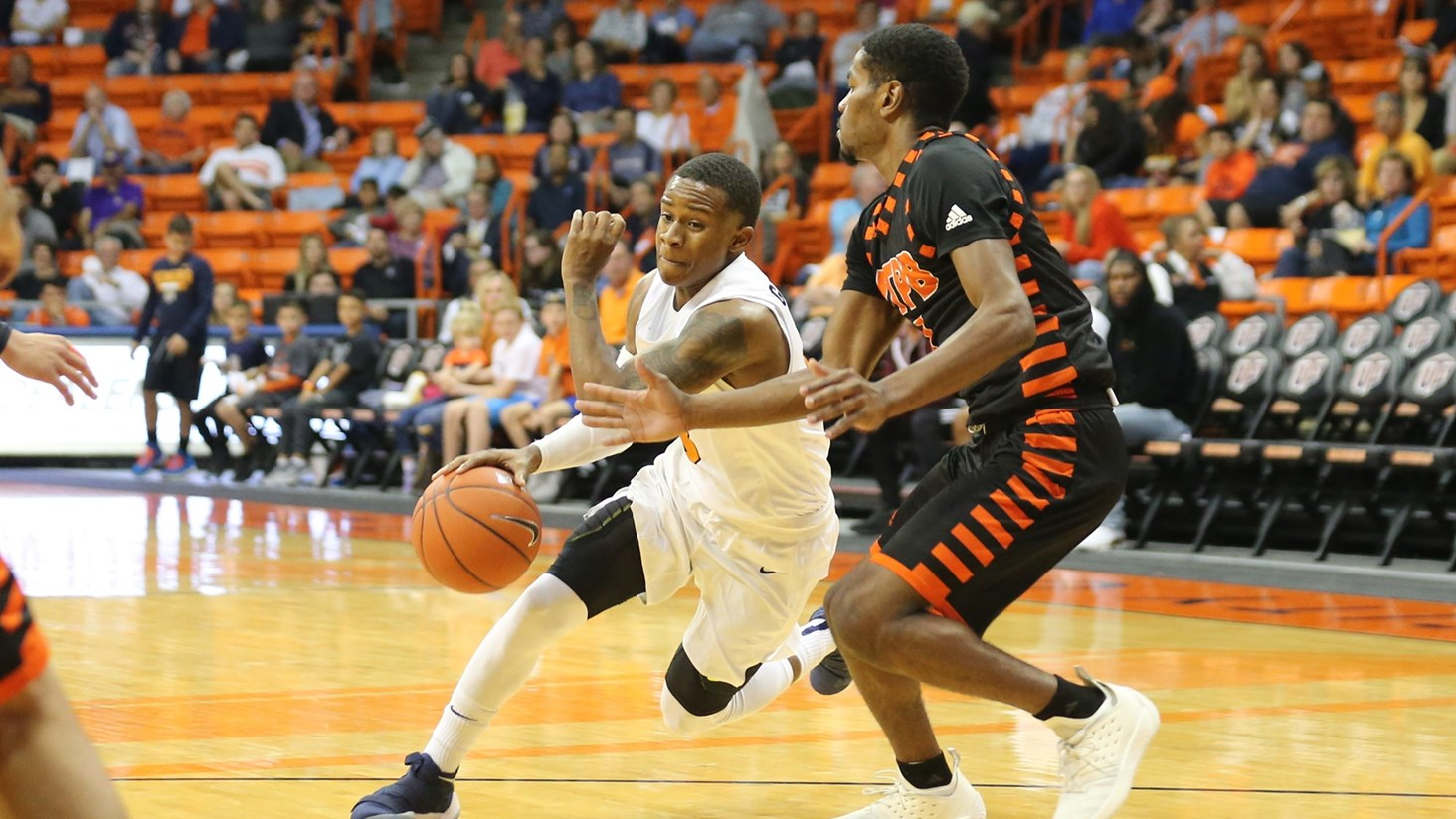Miners Set to Battle Aggies Friday Night in Las Cruces
